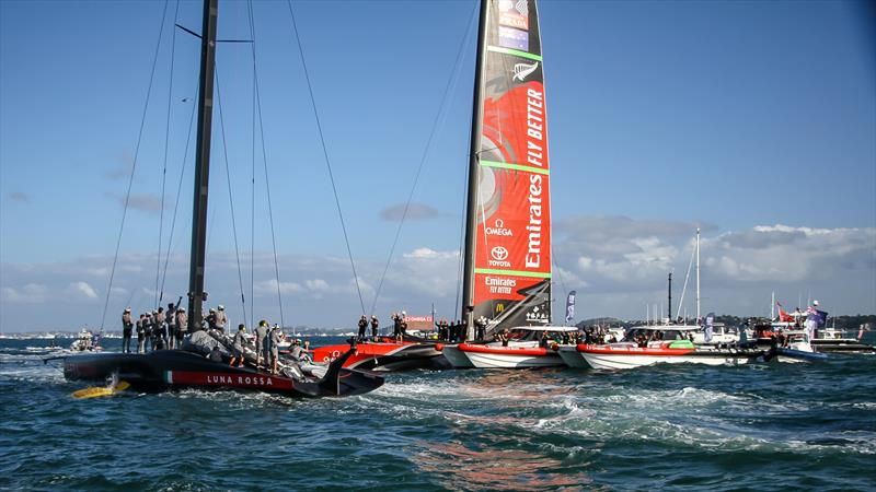 Luna Rossa salute Emirates Team NZ - America's Cup - Day 7 - March 17, 2021, Course A - photo © Richard Gladwell / Sail-World.com