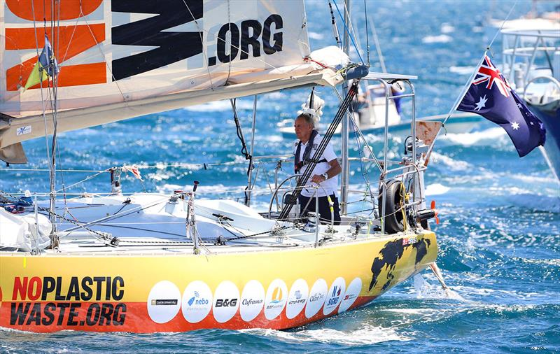 Jon Sanders and his trusted Perie Banou II - photo © Fremantle Ports